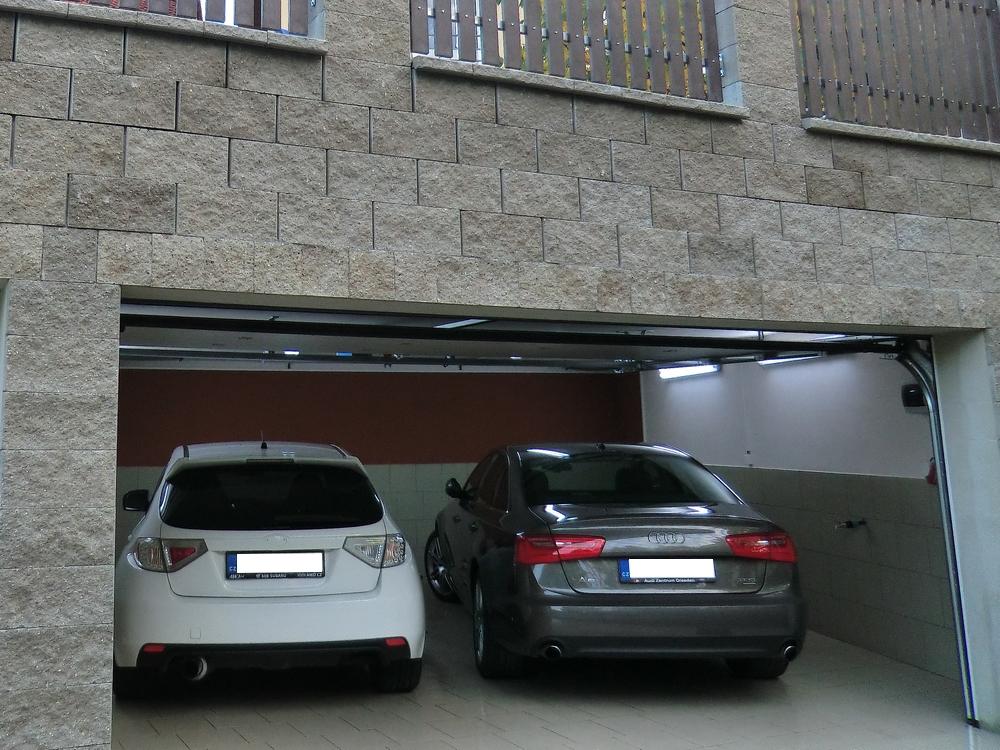 Pobočka Autofolie Praha s.r.o. - garáž 2
